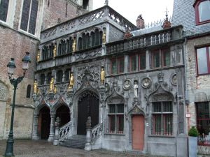 Basilica_of_the_Holy_Blood_-_Saint-Baselius_Chapel,_Bruges,_Belgium.
