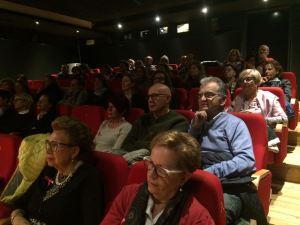 Il pubblico che assiste all'incontro